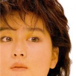 002_misato – 白と水色のカーネーション